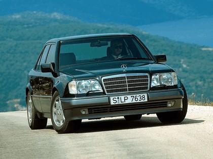1993 Mercedes-Benz E500 ( W124 ) 6