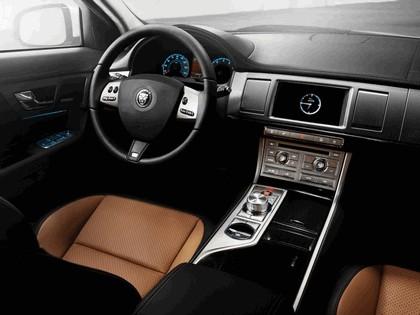 2010 Jaguar XFR 36
