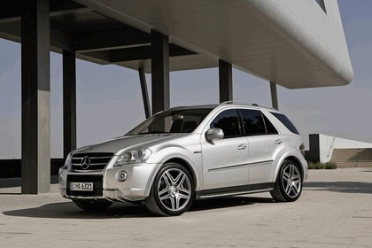 2009 Mercedes-Benz ML63 AMG 25