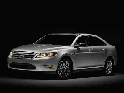 2010 Ford Taurus Limited 2