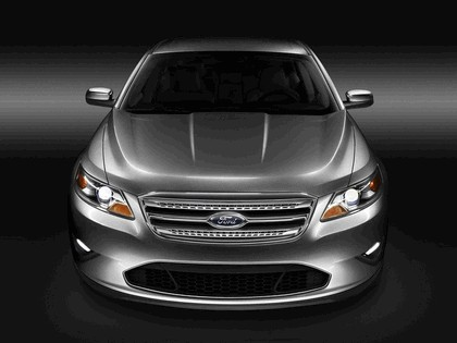 2010 Ford Taurus Limited 4