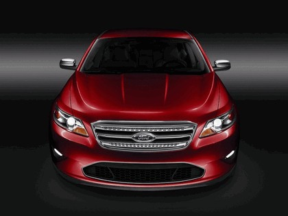 2010 Ford Taurus Limited 8