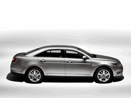 2010 Ford Taurus Limited 9