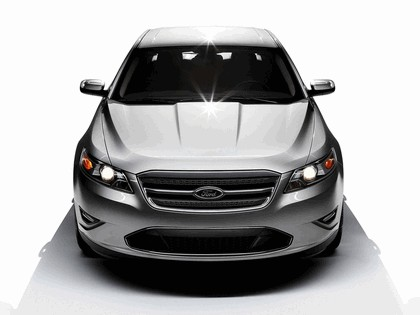 2010 Ford Taurus Limited 12