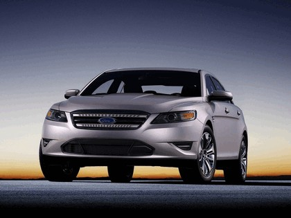 2010 Ford Taurus Limited 13