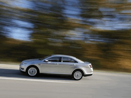 2010 Ford Taurus Limited 14