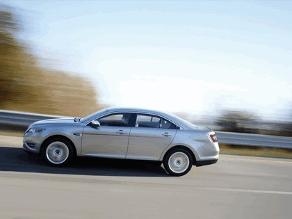 2010 Ford Taurus Limited 15