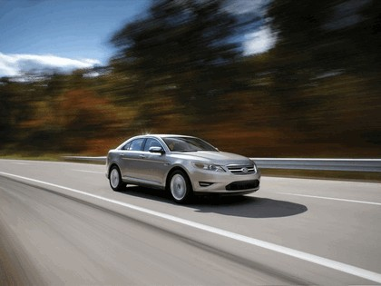 2010 Ford Taurus Limited 17