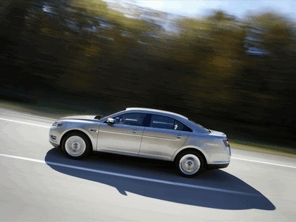 2010 Ford Taurus Limited 21