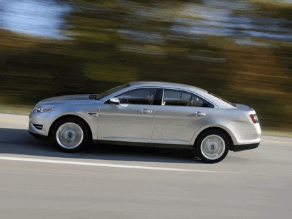 2010 Ford Taurus Limited 22