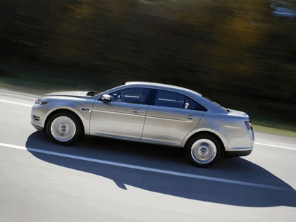 2010 Ford Taurus Limited 23