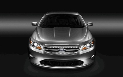 2010 Ford Taurus Limited 29