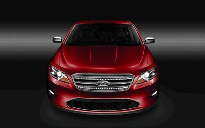 2010 Ford Taurus Limited 32