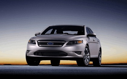 2010 Ford Taurus Limited 35