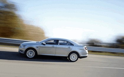 2010 Ford Taurus Limited 37