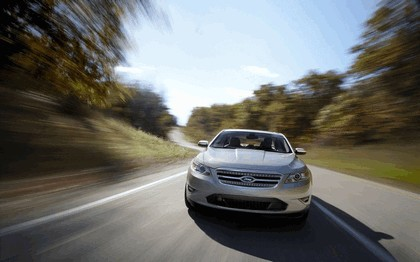 2010 Ford Taurus Limited 39