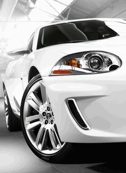 2010 Jaguar XKR 11