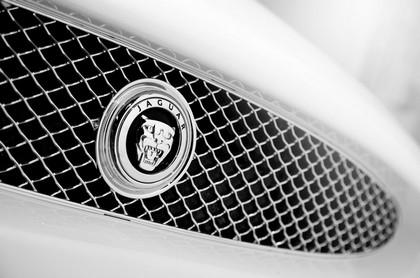 2010 Jaguar XKR 13