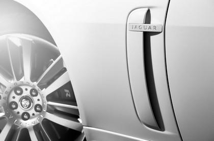 2010 Jaguar XKR 15