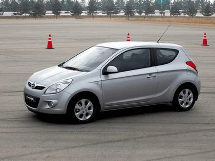 2009 Hyundai i20 13