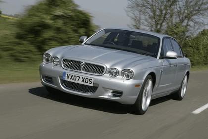 2006 Jaguar XJR 1