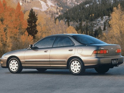 1994 Acura Integra sedan 4