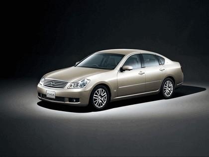 2004 Nissan Fuga 4