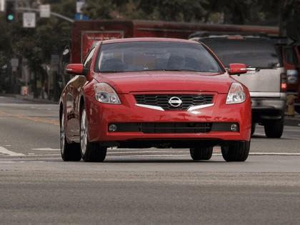 2009 Nissan Altima coupé 1