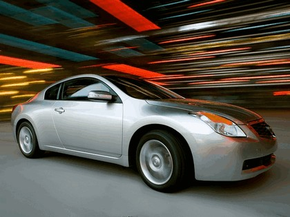 2009 Nissan Altima coupé 9