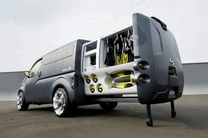 2009 Nissan NV200 concept 9