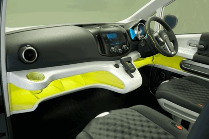2009 Nissan NV200 concept 13