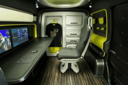 2009 Nissan NV200 concept 17