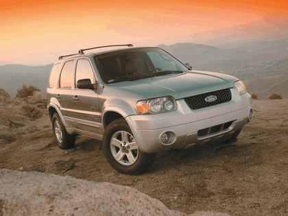 2005 Ford Escape Hybrid 2