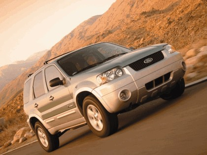 2005 Ford Escape Hybrid 10
