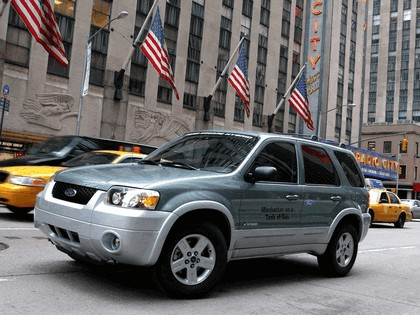2005 Ford Escape Hybrid 14