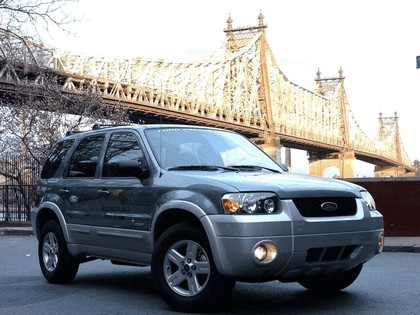 2005 Ford Escape Hybrid 16