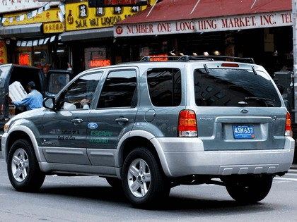 2005 Ford Escape Hybrid 17