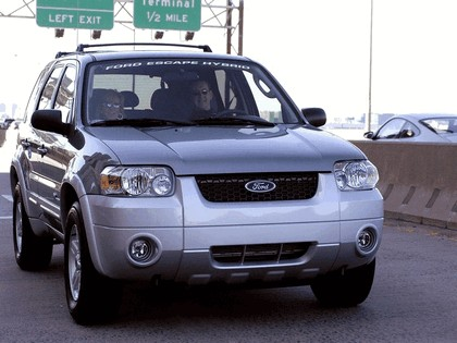 2005 Ford Escape Hybrid 19