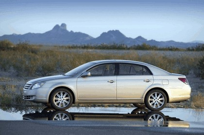 2009 Toyota Avalon 17