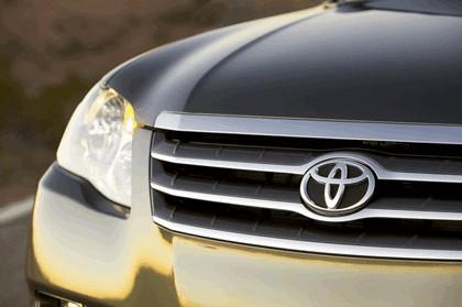 2009 Toyota Avalon 22
