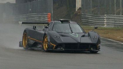 2009 Pagani Zonda R - track debut on Monza circuit 5