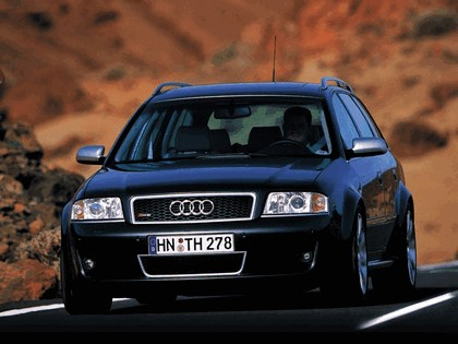 2002 Audi RS6 Avant 8