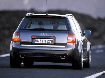2002 Audi RS6 Avant 9