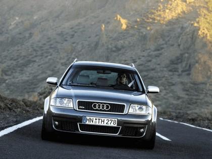 2002 Audi RS6 Avant 10