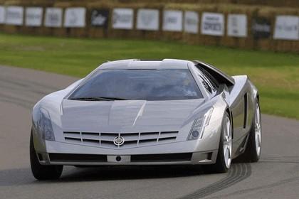 2002 Cadillac Cien 8