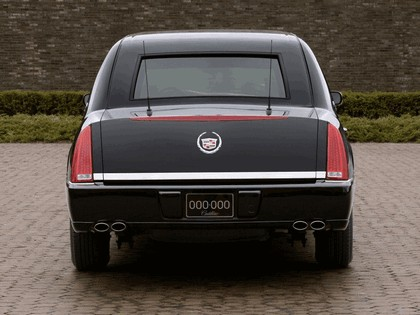 2006 Cadillac DTS Presidential Limousine 4