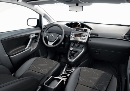 2009 Toyota Verso 21
