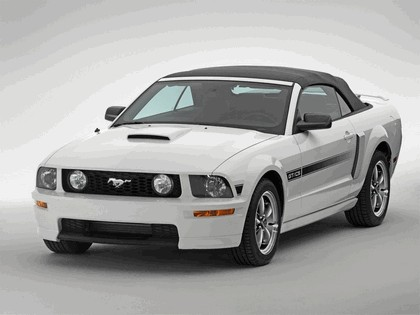 2007 Ford Mustang GT California special 4