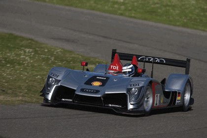 2009 Audi R15 TDi 18