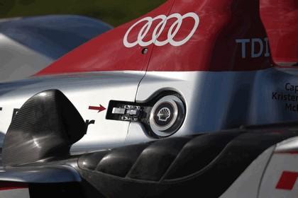 2009 Audi R15 TDi 43